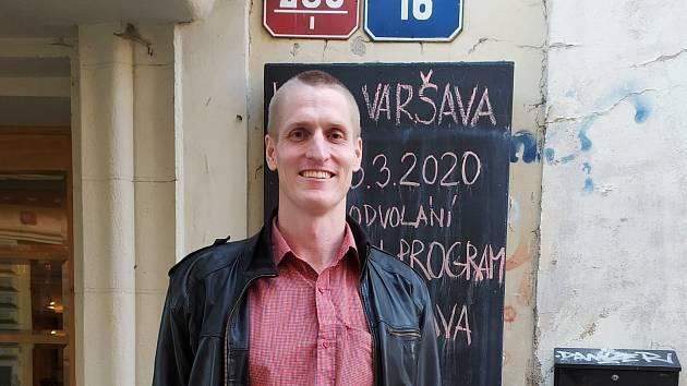 Ondřej Pleštil je profesí architekt. Zároveň je Statutární ředitel spolku Kino Varšava z.s..