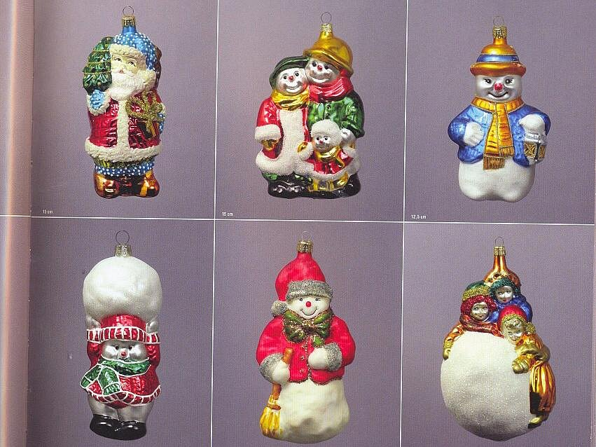 Skleněné vánoční ozdoby se dodnes malují v mnohých dílničkách na Jablonecku a v Podkrkonoší.