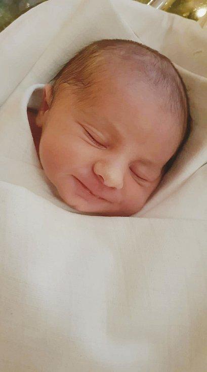 Roman Škvor. Narodil se 28. prosince v liberecké porodnici rodičům Martině a Romanovi Škvorovým. Vážil 3,68 kg a měřil 51 cm.