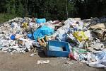 Nelegálně skladovaný odpad.