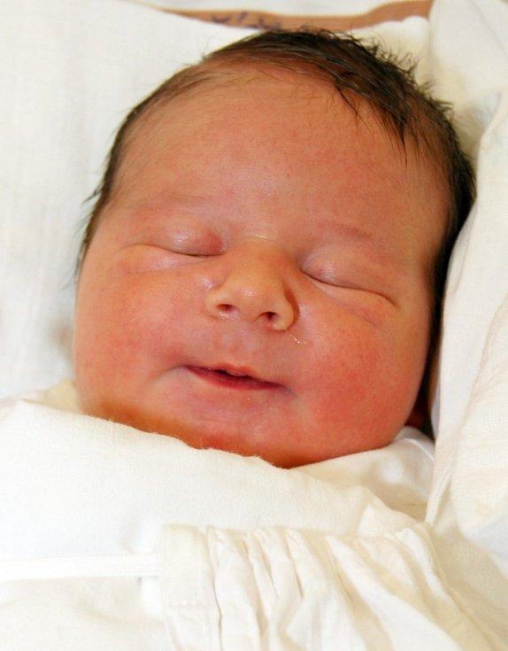 Mamince Tereze Vašíčkové z Liberce se dne 13. února narodil syn Hynek Vašíček. Měřil  51 cm a vážil 3,76 kg.