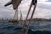 Plachtění na moři v Izraeli.