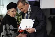 Ocenění za filozofa Patočku převzala jeho dcera Františka Sokolová