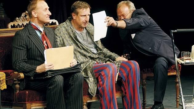 BLBEC K VEČEŘI. Druhým a zároveň posledním představením na Sedmihorském létě bude francouzská komedie v podání Divadla Bez zábradlí.