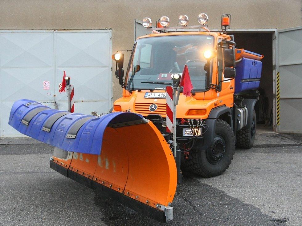 Stroje na údržbu silnic.