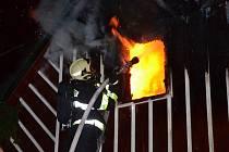 Požár chaty ve Vítkovicích.