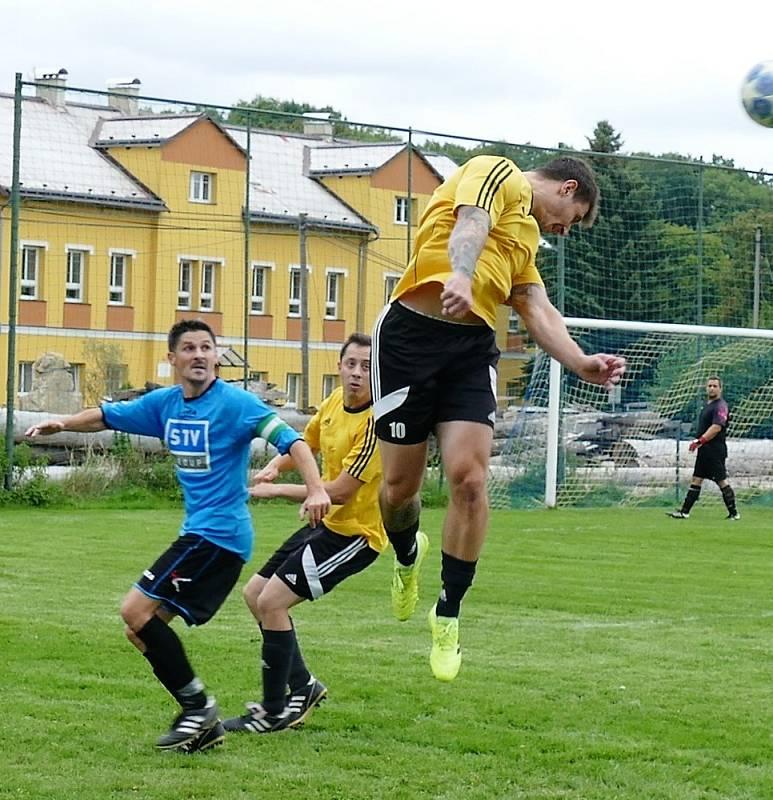 Fotbalový okresní přebor: Jokers (žlutí) - Nová Město.