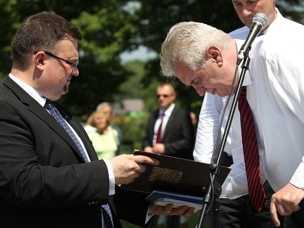 Prezident republiky na návštěvě Nové Vsi na Jablonecku.