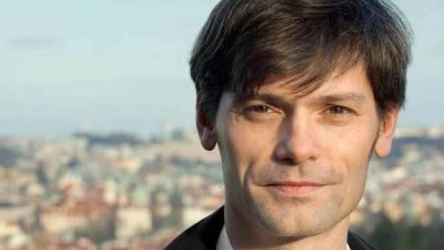 Nejmladší z prezidentských kandidátů, teprve jednačtyřicetiletý lékař a občanský aktivista, VŠ pedagog Marek Hilšer