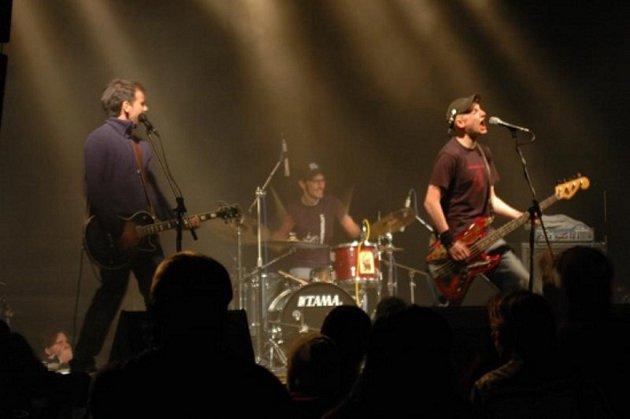 ROCKOVÉ LÉTO. V minulosti se na festivalu představila například pražská kapela Cocotte Minute.