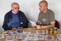 Uznávaný liberecký mykolog Josef Sedláček je chodící encyklopedie hub. Prohrát s ním mykologický duel je pro mě vlastně čest.