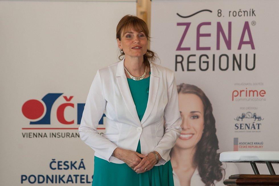 Vyhlášení osmého ročníku celonárodní soutěže Žena regionu proběhlo za Liberecký kraj 17. května v Kavárně Pošta v Liberci. Na snímku Radka Loučková Kotasová.