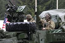 První skupina amerických vojáků dorazila přes Harrachov do Česka.
