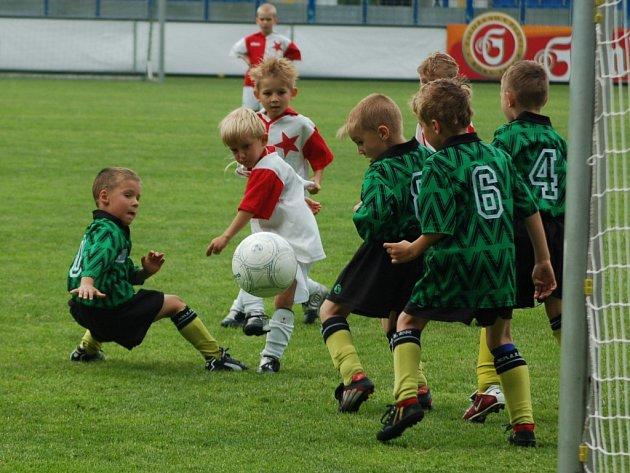 Druhý ročník fotbalového turnaje mladších elévů.