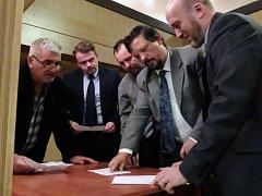 Starostou Frýdlantu byl na ustavujícím zastupitelstvu opět zvolen Dan Ramzer.