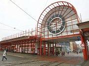 Ilustrační. Terminál městské hromadné dopravy (MHD) v ulici Fügnerova v Liberci.