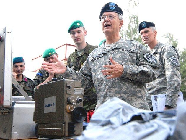 Vrchní velitel ozbrojených sil NATO John Craddock.