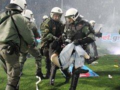 Záběr ze zápasu Řeckého poháru mezi PAOKem a Olympiakosem.