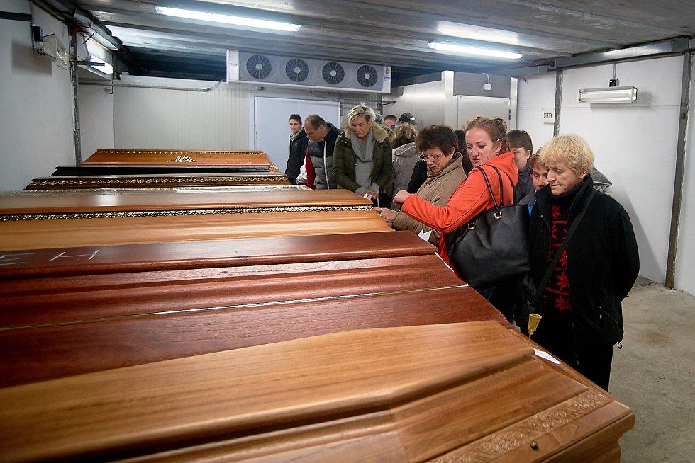 Lidé si mohli prohlédnout krematorium