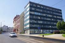 Liberečtí radní si prohlédli náhradní prostory, kam se kvůli podzimní rekonstrukci budovy Uran mají na několik let přestěhovat desítky úředníků.