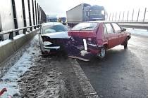 Hromadná nehoda omezila v Liberci dopravu.