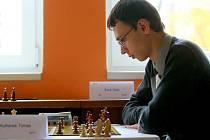 VITALIJ SIVUK, 19letý mezinárodní mistr z Ukrajiny, si ze svého prvního startu na turnaji v České republice odvezl z Liberce prvenství a prémii 10 tisíc korun.