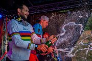 Finále závodu světové série horských kol ve fourcrossu JBC 4X Revelations proběhlo 14. července v bike parku Dobrý Voda v Jablonci nad Nisou. Na snímku zleva Quentin Derbier a Tomáš Slavík.