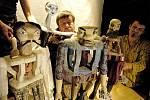 POHÁDKA O SRDCI Z KAMENE. Inscenace měla premiéru v říjnu 2005. Režíroval ji Jiří Adámek.