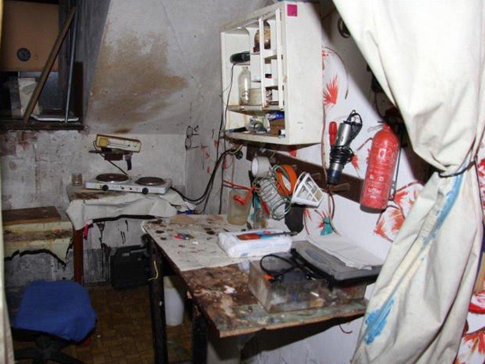 Tři osoby vyráběly pervitin v centru Liberce.