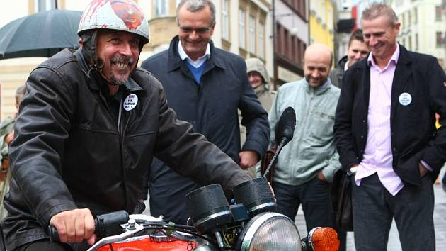 Karel Schwarzenberg zahájil kampaň - TOP 09