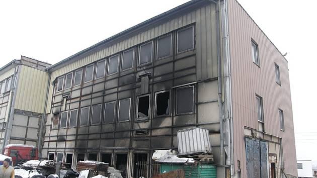 Při požáru vznikla škoda ve výši 400 tisíc korun.