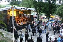 SLAVNOSTI VRATISLAVICKÉHO PIVA. Areál pivovaru Konrad  v sobotu obsadily čtyři tisíce lidí.