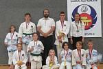 OKINAWA KARATE A KOBUDO LIBEREC se 16 medailemi.