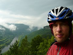 Biker Petr Šíma zvládl závod 1000 Miles Adventures za 12 dní.