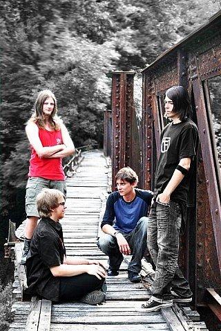 IN TOUCH. Crossover rocková kapela ze Železného Brodu.