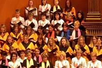 NEJVĚTŠÍ A NEJSTARŠÍ SEVEROČESKÝ SBOR V AKCI. Liberecký sbor Ještěd má ze všech sborů v severočeském regionu nejbohatší historii. Byl založen již před sto lety v roce 1907.