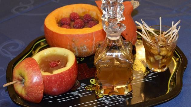MARMELÁDY Z KUNRATIC putovaly do celé Evropy ze zdejší továrny CH. Leubnera už od roku 1880. Tradici výroby ovocných produktů obnovili místní jako Jamparádu.
