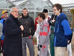 Žáci SOŠ Liberec postavili v rámci výuky budovu pro školní zahradnictví.