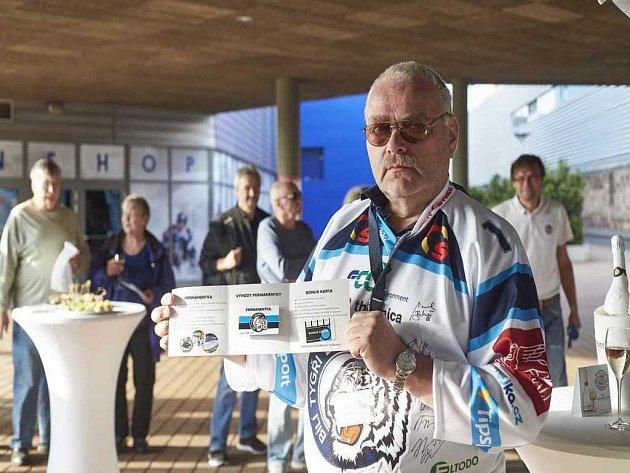 Fanoušek Jaromír Žlábek získal permanentku za 1 korunu.
