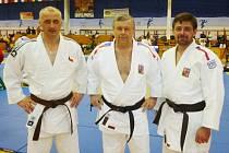 LIBEREČTÍ VETERÁNI V BUDAPEŠTI. Zleva Tibor Slažanský, Milan Vágner a Petr Schüller.