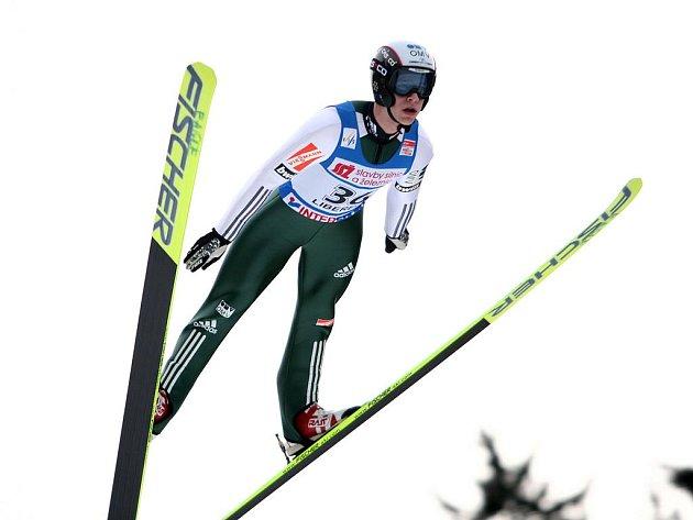 ROMAN KOUDELKA dosáhl v minulé sezoně na bronzový stupínek v závodě Světového poháru v letech na lyžích v Harrachově.