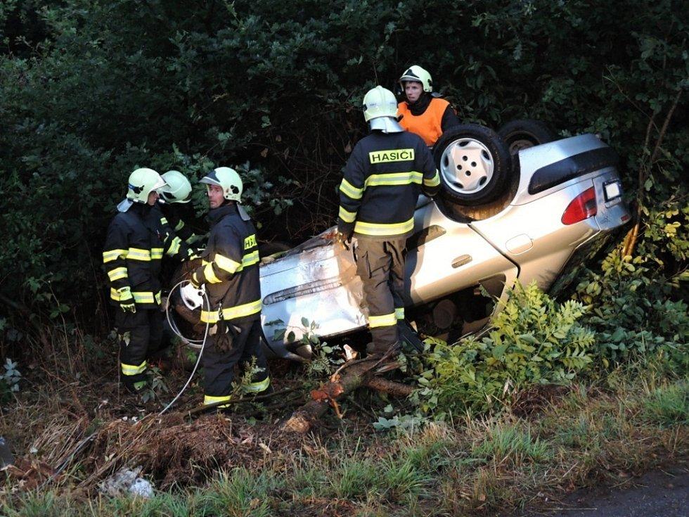 Hasiči řešili o víkendu několik nehod napříč Libereckým krajem.