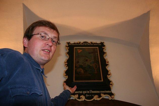 VZÁCNÉ RELIKVIE. Rozsáhlá výstava nabízí ucelený pohled do historie Hejnic, kláštera a rodu Gallasů.
