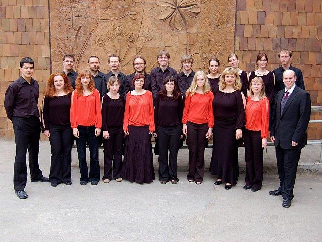 Liberecký sbor Cum decore oslaví dvacáté narozeniny v sobotu v Severočeském muzeu.