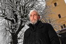 PETR VOSTŘÁK, ředitel kulturního a společenského centra Lidové sady, má v dnešních dnech těžkou hlavu. Podle jeho slov probíhají intenzivní jednání o zajištění dalšího provozu.