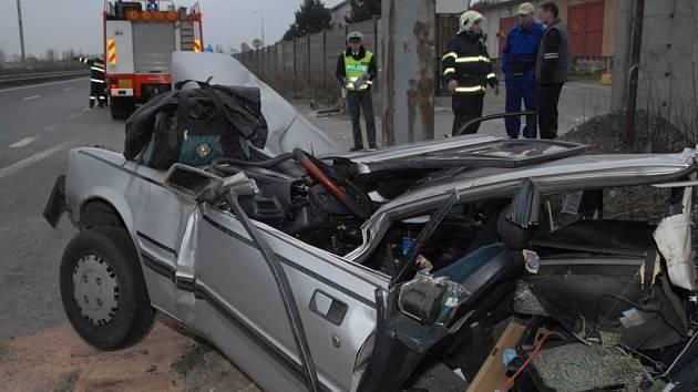ZLEPŠENÍ. Výrazně méně dopravních nehod museli v prvních měsících tohoto roku řešit dopravní policisté na Liberecku.