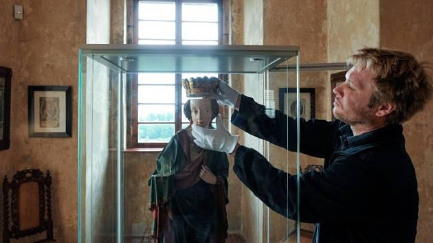 Na Grabštejn se po desetiletích vrátila ztracená patronka kaple.
