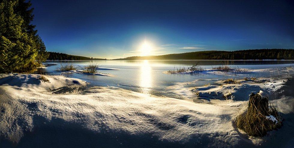 Černá Nisa při západu Slunce.