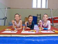 Liberecké gymnastky zleva: Sedláčková Gabriela, Bartuňková Nela, Průšková Zuzka.