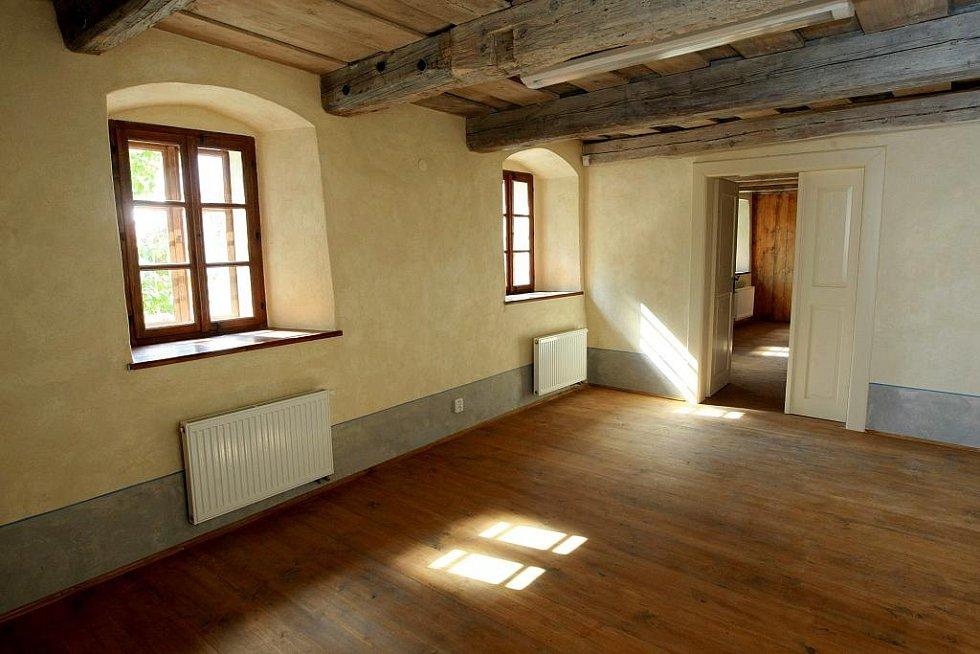 ČESKOLIPSKÁ ŠATLAVA. Objekt bývalého vězení z 16. století se proměňuje v novou archeologickou expozici.ČESKOLIPSKÁ ŠATLAVA. Objekt bývalého vězení z 16. století se proměňuje v novou archeologickou expozici.